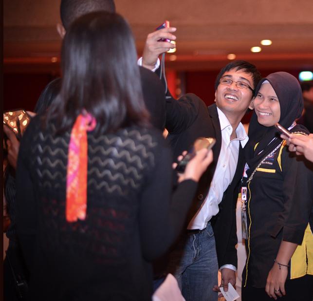 Lloyd Luna as a motivational keynote speaker at the Philippine International Convention Center.